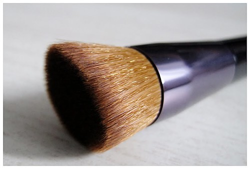 505_Shiseido_Perfect_Foundation_Brush7