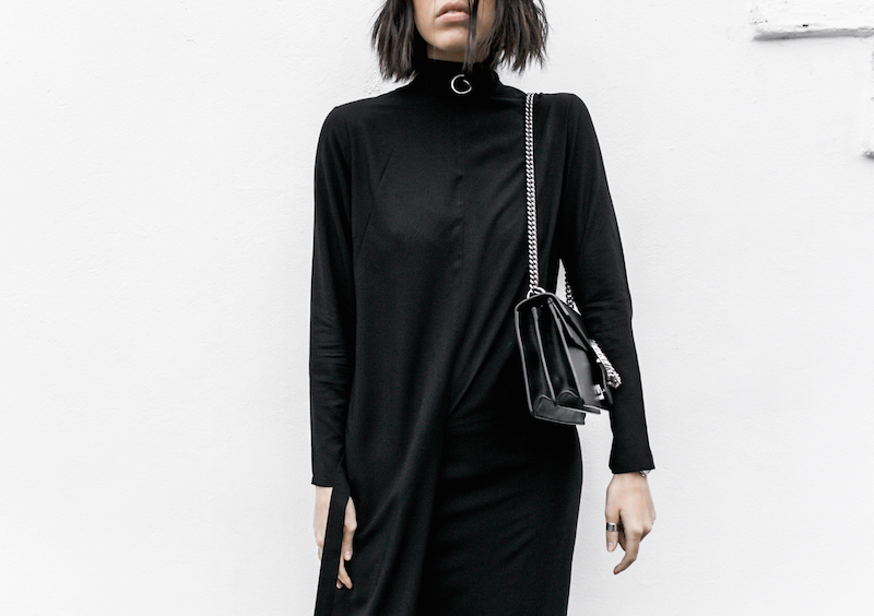 THE MINIMAL MAXI DRESS UNIQLO x HANA TAJIMA modern legacy fashion blogger gucci dionysus bag monochrome street style (5 of 7)