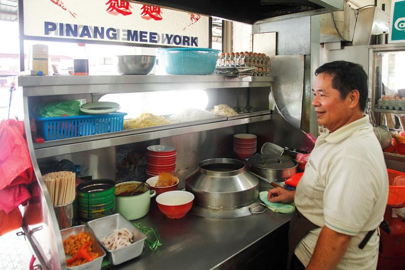 Chuan Huat Prawn Mee in KL prawn noodle stall