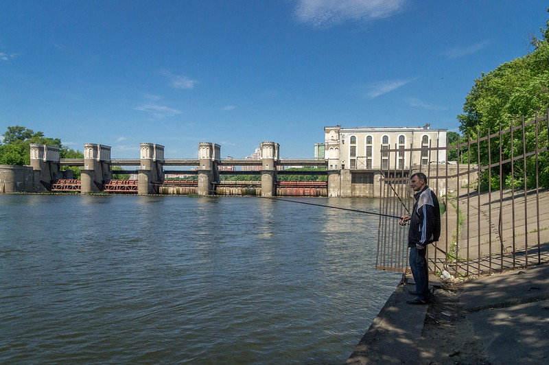 A fisherman near the Hydroelectric Power Station.jpg