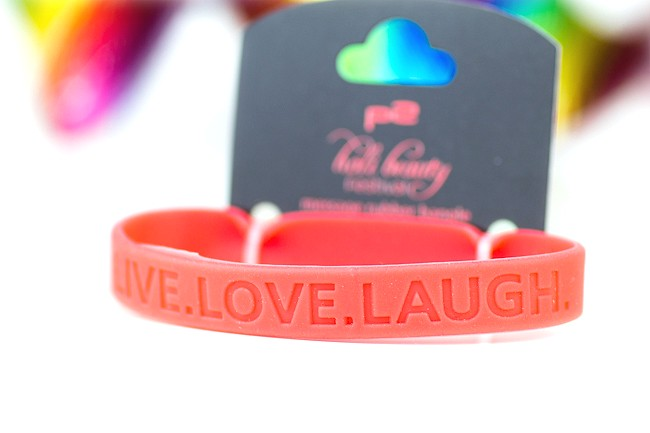 p2 Holi Beauty, Holi Beauty Review, message rubber bangle, Live. Love. Laugh.