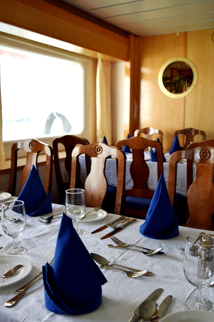 G's adventures Expedition cruise ship dinning room