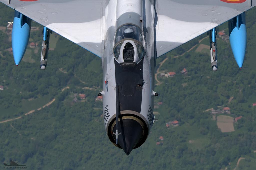 RoAF MiG-21 si FAP F-16 in zbor 17941577119_4af3164b00_b