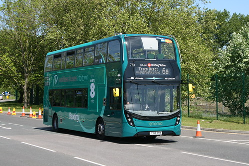 Reading Buses 770 on Route 6a, Reading Tesco Distribution Centre (Jct 11 M4)