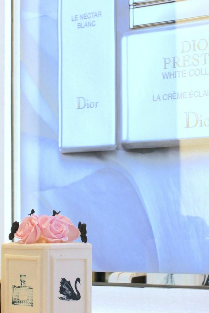 Dior MV cake