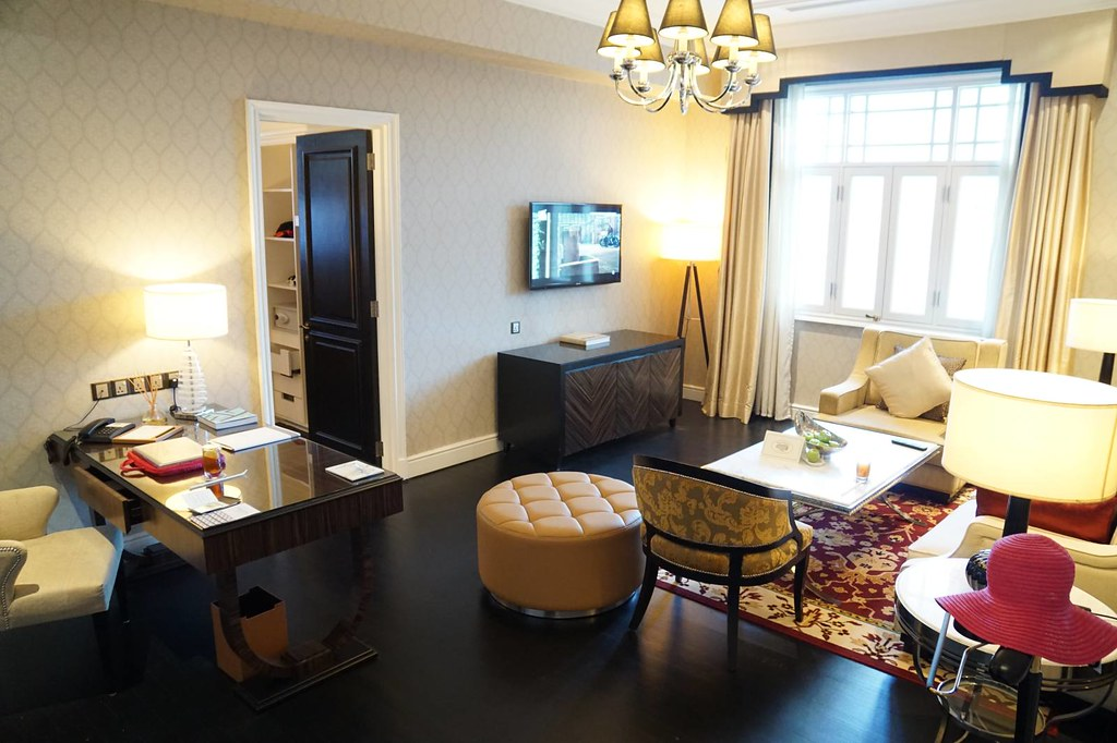 Staying at Majestic Hotel KL - the Governor Suite -004