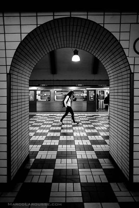 Floating on the checkerboard - Fuji X-Pro 1 with XF 16mm
