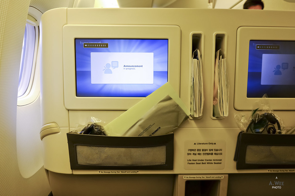 Seatback monitors