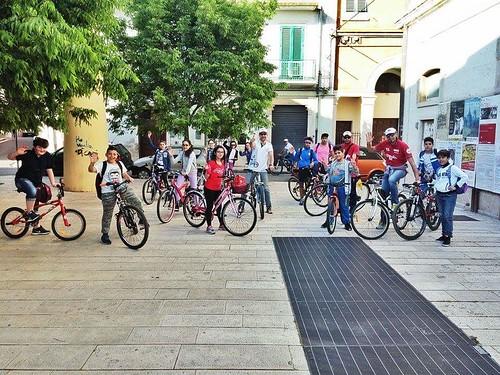 tutti a scuola in bici o a piedi