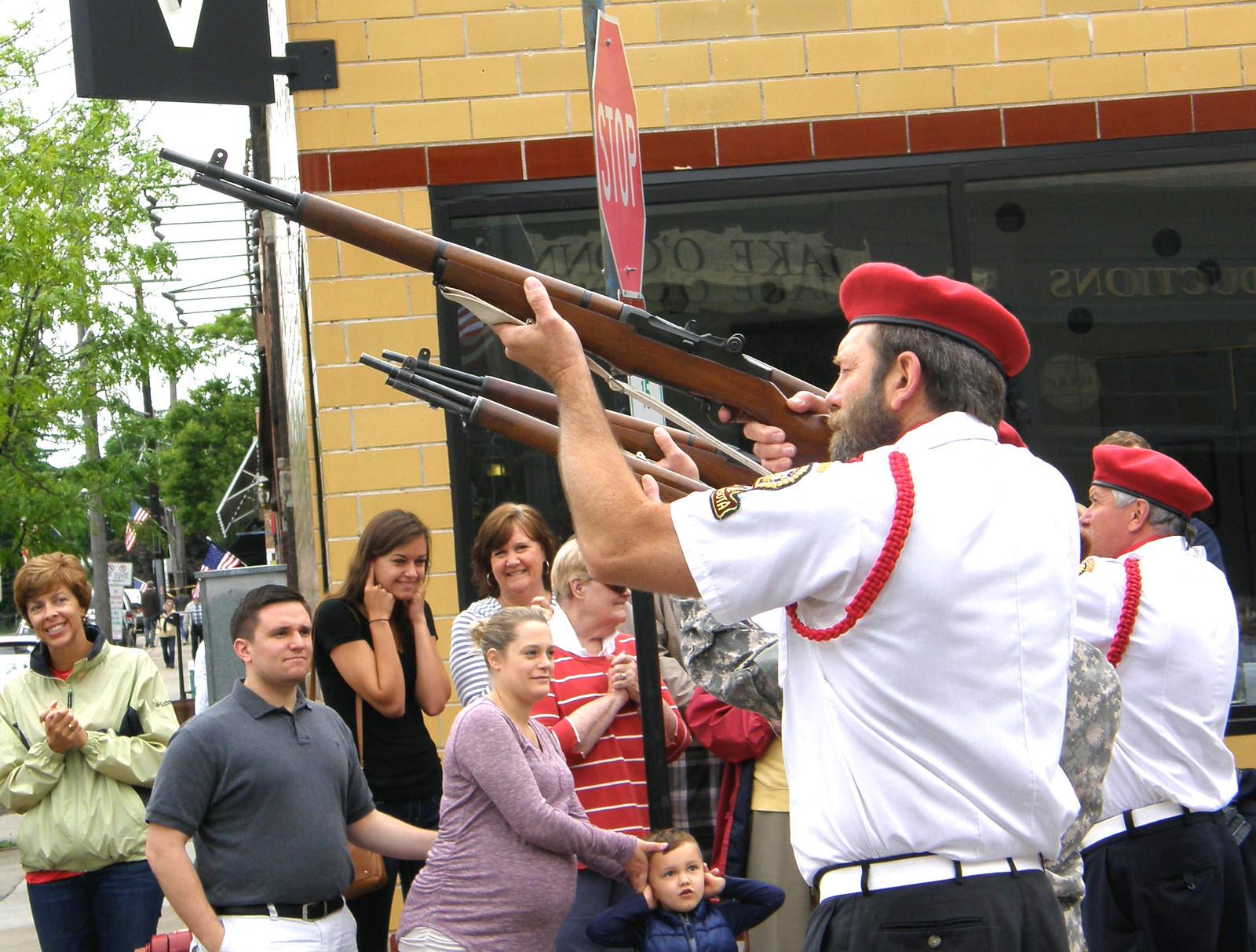 4 gun salute