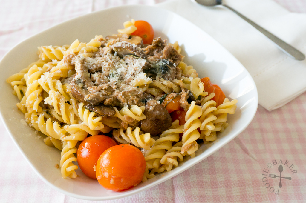 Cherry Tomatoes and Tuna Pasta
