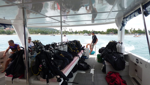 Koh Tao snorkel tour by diving catamaran