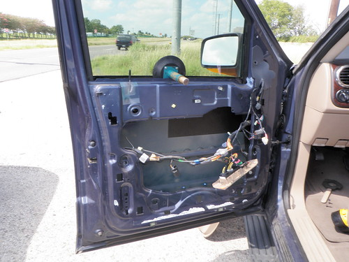 Driver's Side Power Window Motor Replacement on SUV