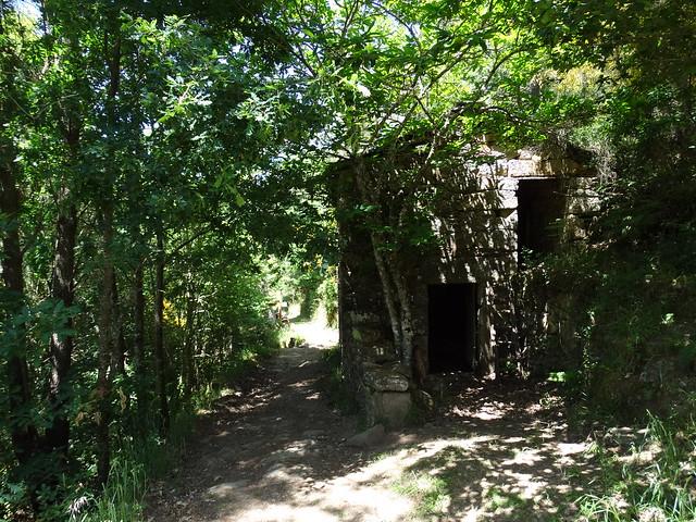 Casa Abandonada en la Ruta de Augacaída - Castro de Marce