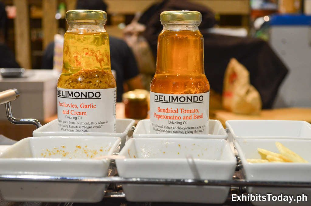 Delimondo Sundried Tomato, Peperoncino and Basil Drizzling Oil
