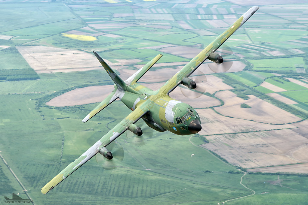 RoAF C130 Hercules in zbor 16939917904_0d14d350c2_b