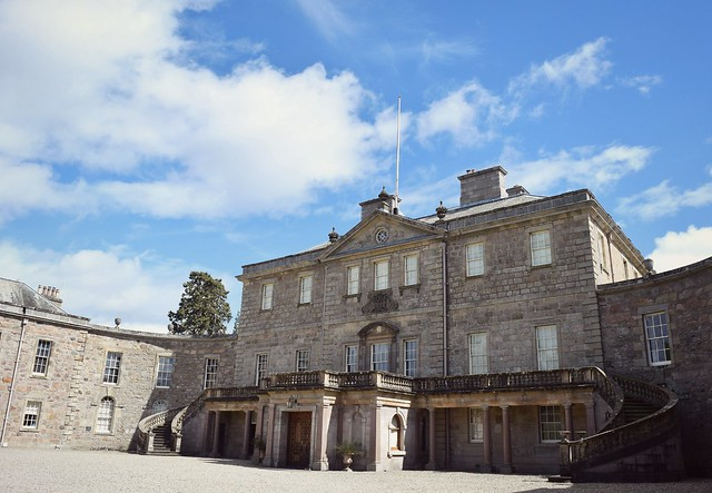Haddo House visit by UK lifestyle blogger Natbeesfashion