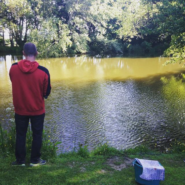 A là pêche de bon matin #campingalaferme #Mayenne