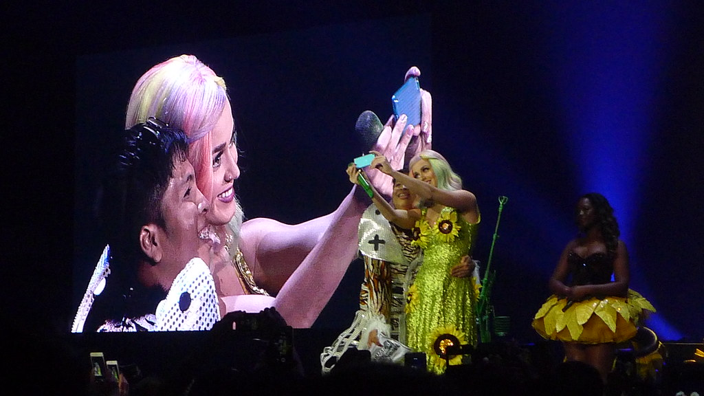Katy Perry Prismatic World Tour Philippines