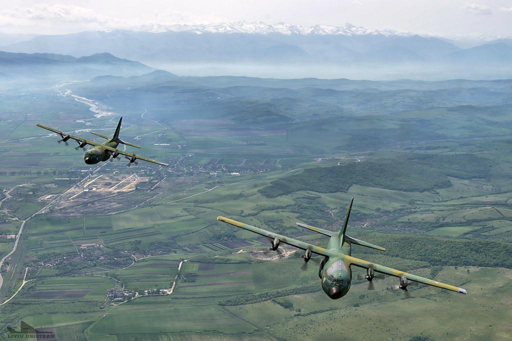 RoAF C130 Hercules in zbor 17562404251_137ae24309_b
