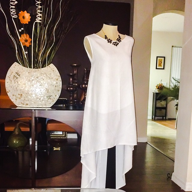 Let it all flow!  Crisp White Linen.  Details on the blog, blog address in profile  #Itsmelaniedarling #CustomHousedesigns #seamstress #sewing #sewist #sewcialist #sewingblogger #asewinglife #imakemyownclothes #imadethis #diy #diyer #diystyle #diyfashion
