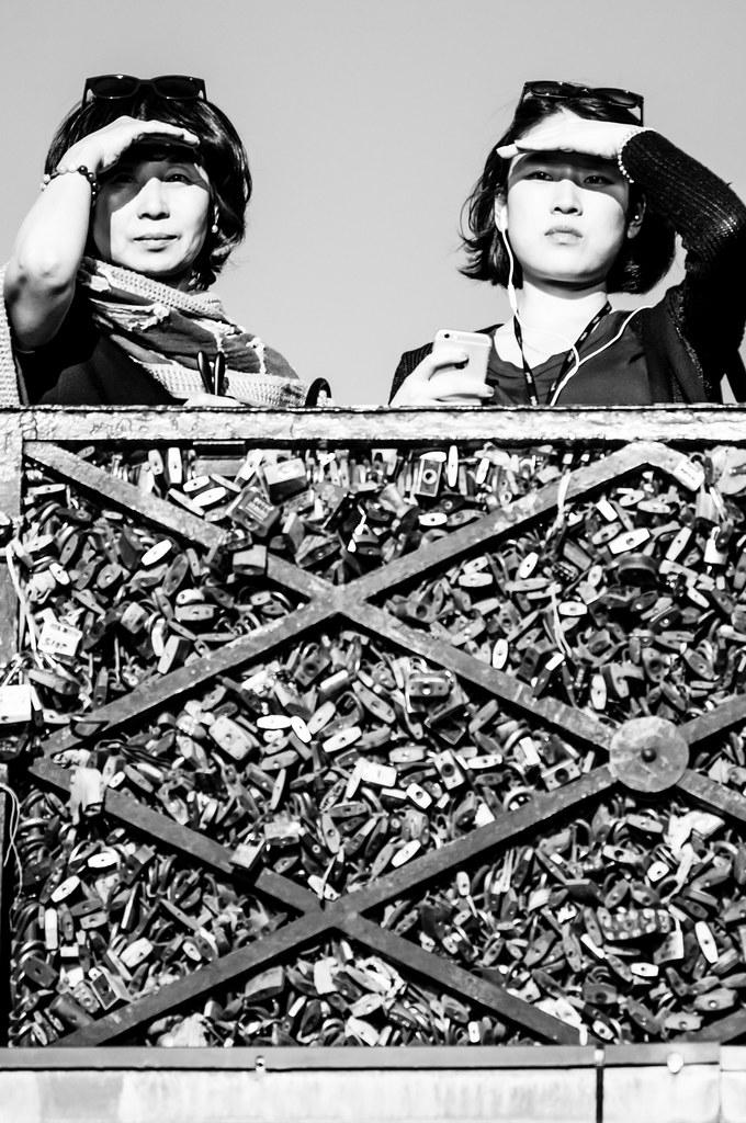 Le pont de l 39 archev ch et ses cadenas d amour paris fra flickr - Le pont de lamour a paris ...
