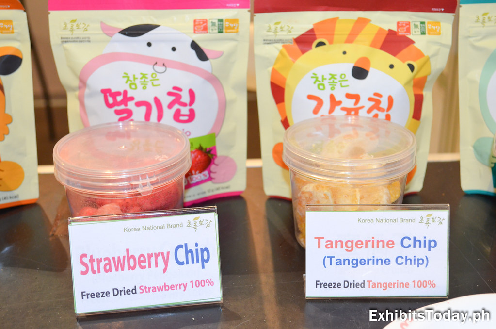 Japanese Tangerine and Strawberry chips