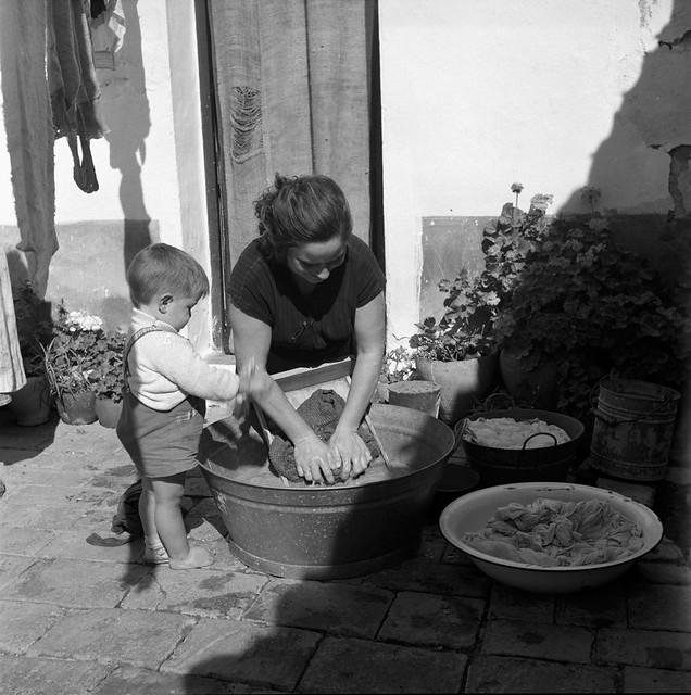 Un patio de Toledo en 1956 © Paco Gómez/Fundació Foto Colectania