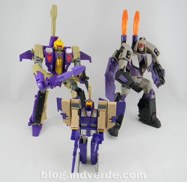 Transformers Blitzwing Voyager - Generations - modo robot vs G1 vs Animated