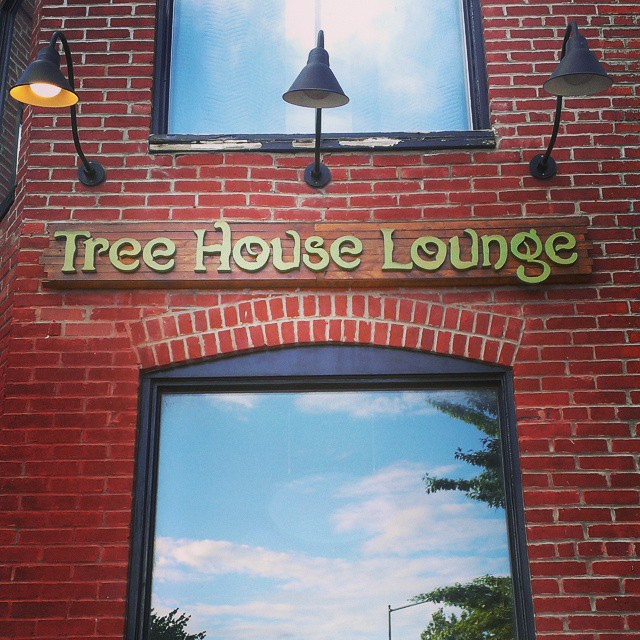 Tree House Lounge