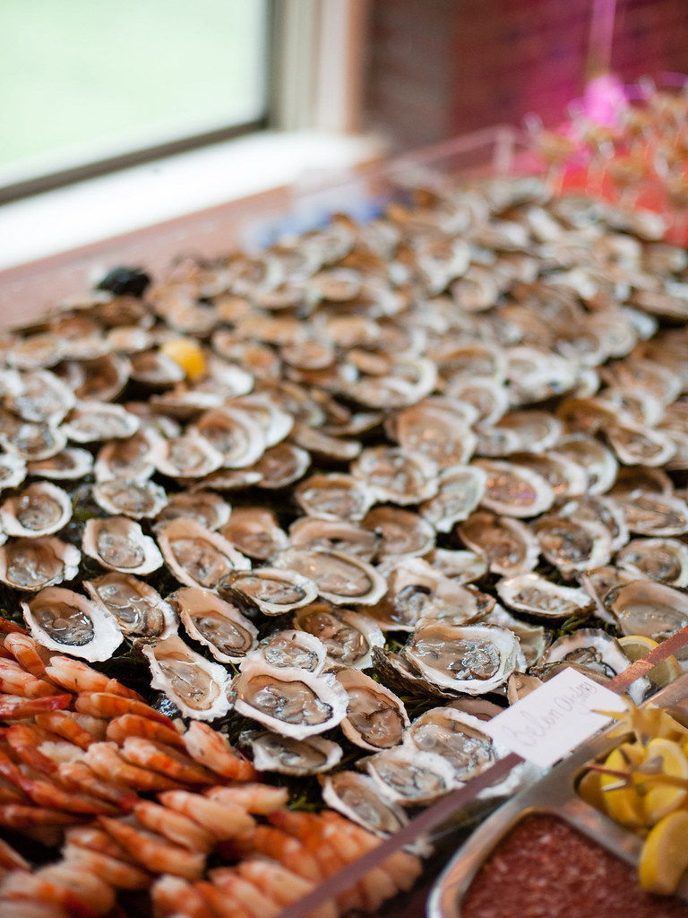 The raw bar from @offbeatbride