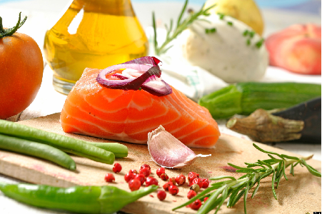 Rau, trái cây và cá xứ lạnh là đặc trưng của chế độ ăn Địa trung Hải
