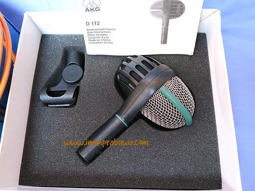 AKG D112 002