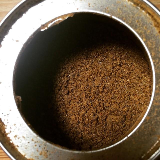 ガラムマサラ。 基本と呼ばれるレシピを元に、少々アレンジして調合しました。