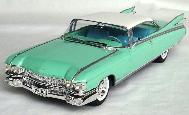 1959 Cadillac Eldorado Hardtop 1:25 Scale Revell Model Kit ...