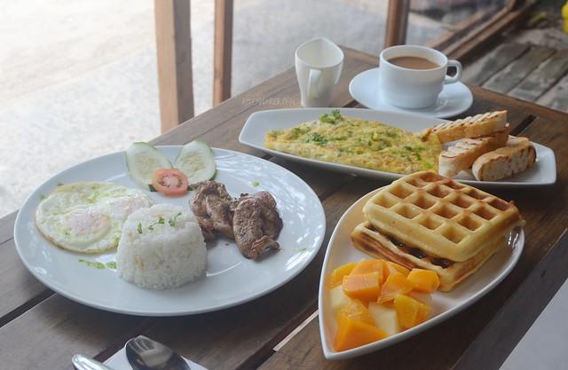 zuzuni hotel breakfast