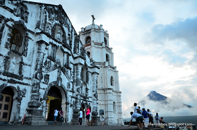 12 mayon daraga church